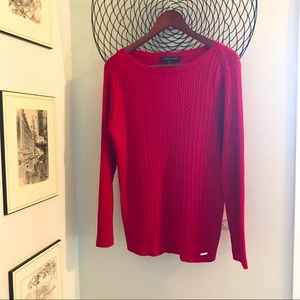 Beautiful soft Tommy Hilfiger sweater
